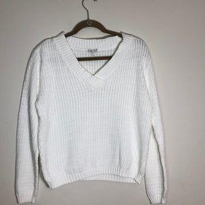 Avalin  knit V neck sweater!